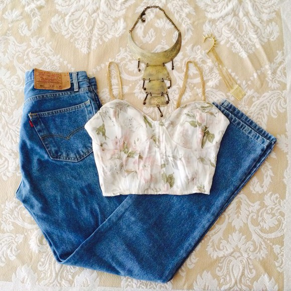 jewels boho ethnic vintage retro gold golden necklace gold necklace blouse flower top floral bustier floral crop top floral tank top levi levis shorts denim jacket denim vintage levis jeans light blue statement necklace old school bralette
