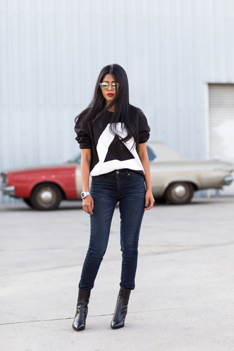 black and white sweater blogger walk in wonderland mirrored sunglasses black boots triangle
