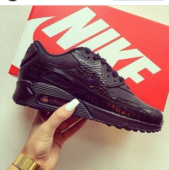 shorts air max nike running shoes nike sneakers nike air nike shoes shoes sneakers black running shoes black shoes snake print
