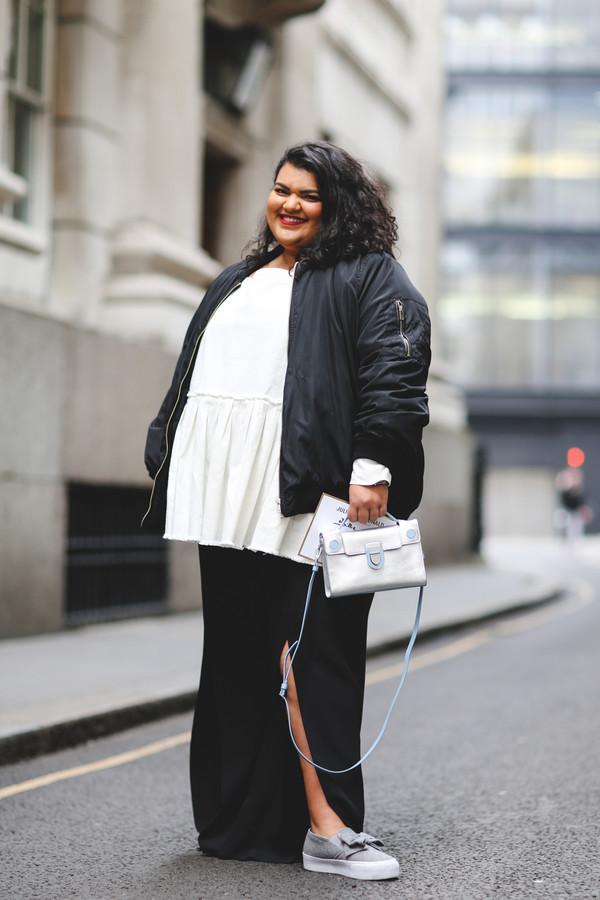 bag silver bag london fashion week 2017 fashion week 2017 fashion week streetstyle black. Black Bedroom Furniture Sets. Home Design Ideas