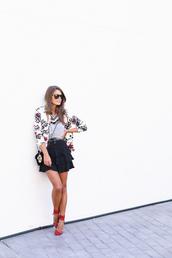 seams for a desire,blogger,t-shirt,bag,sunglasses,ruffle,jacket