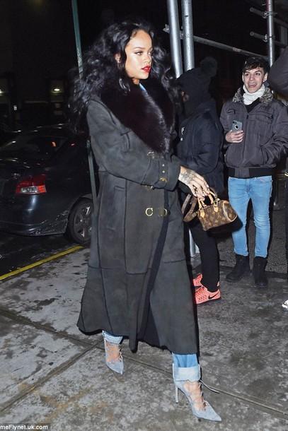 coat rihanna skinny jeans