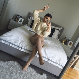 sweater cream cream sweater white sweater white knitwear knitted sweater tan pants shoes heels blouse jeans nude cream color