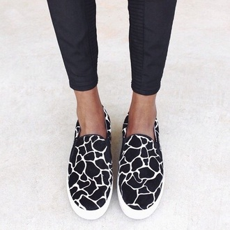 shoes giraffe slippers brown white black casual style fashion summer outfits winter sweater evening dress black trousers