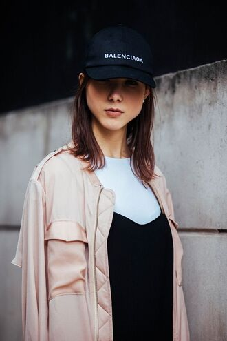 jacket london fashion week 2017 fashion week 2017 fashion week streetstyle pink jacket top t-shirt white t-shirt cap black cap balenciaga black baseball hat