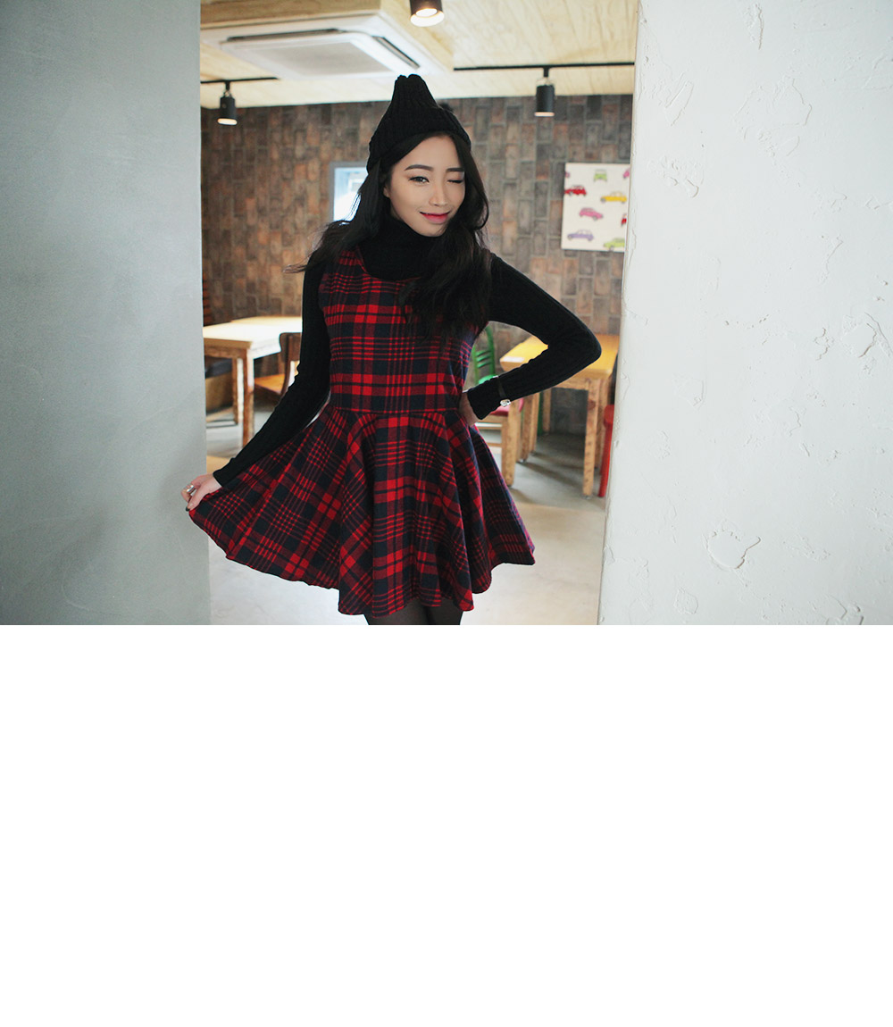 Fit-and-Flare Sleeveless Tartan Dress