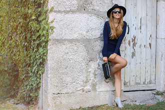 heels on gasoline blogger dress hat sunglasses shoes jewels
