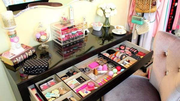 eye shadow maquiagem mc makeup pro 134 naked palette lip gloss cosmetics channel make up set. Black Bedroom Furniture Sets. Home Design Ideas