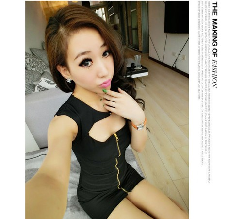 Western Charming Pure Color Front Zip Design Hollow Out Back Slim Dress Black (US$ 12.95 / US$ 14.8)