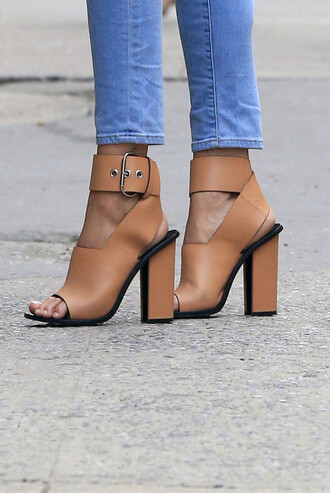 shoes jeans nude sandals blue jeans buckle strap nude sandals street atropina