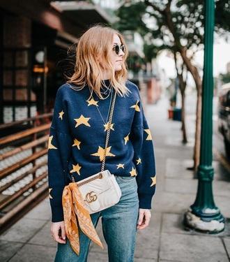 sweater blue sweater white bag stars bag crossbody bag gucci gucci bag scarf accessories