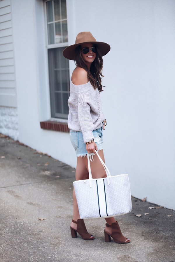 fashionably kay blogger sweater shorts shoes hat bag jewels booties peep toe boots brown hat grey sweater denim shorts tote bag