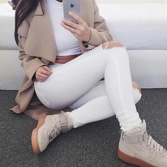 pants white coat nude colur