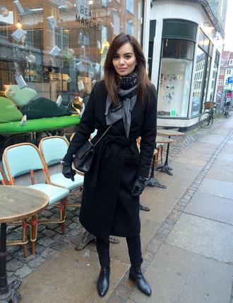 by funda blogger black coat winter coat coat scarf bag shoes gloves