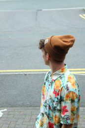 hat,beanie,brown,shirt,floral,button up