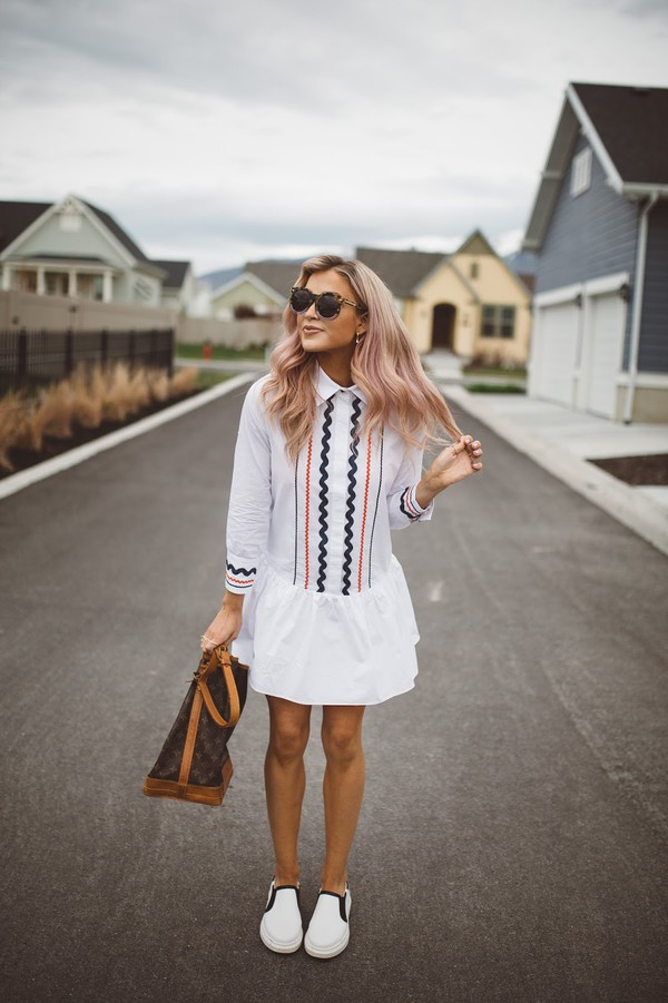 cara loren blogger dress shoes bag sunglasses jewels top jeans