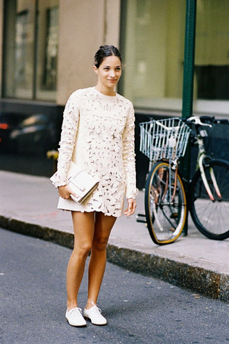 vanessa jackman blogger off-white long sleeve dress texture dress shoes