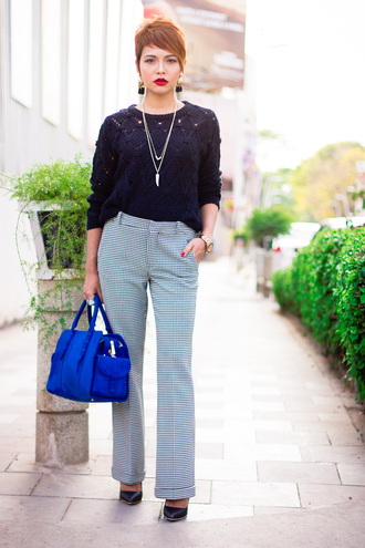sweater black cable knit sweater cable knit tumblr black sweater necklace pants checkered checkered pants printed pants bag blue bag pumps pointed toe pumps high heel pumps