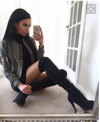 shoes blac? t??g?h?g? boo?? s?ede thigh high boots high heels platform shoes platform heels black heels boots jacket khaki bomber jacket khaki bomber jacket black jacket knee high boots high heels boots black