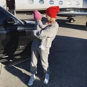 hat,grey,red,beanie,celebrity,kylie jenner,kardashians,instagram