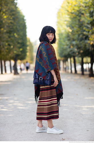 carolines mode blogger poncho striped skirt