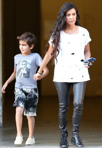 top t-shirt kourtney kardashian pants