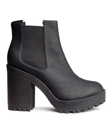 H&M Platform boots €29,99
