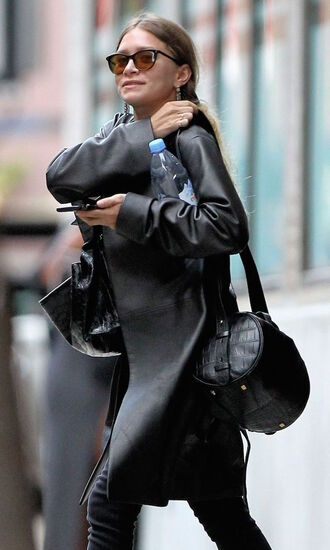 olsen sisters blogger shoes leather coat celebrity style olsen fall outfits shoulder bag