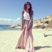 skirt,summer outfits,maxi skirt,light pink skirt,slit maxi skirt,top,tank top,crop tops,sweater,cute dress,cute skirt,cute,cute outfits,nice,nice outfit,girly,girly outfits tumblr,long skirt,boho,pink skirt,pink,pink maxi skirt,light,light pink,summer,cardigan,grey