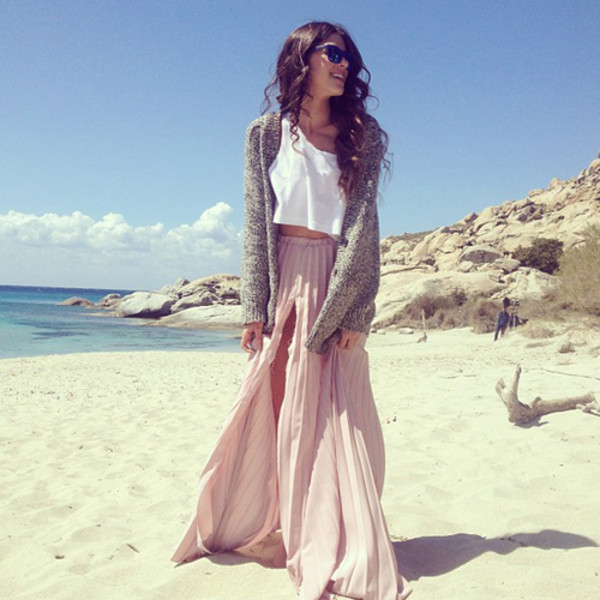 skirt summer outfits maxi skirt light pink skirt slit maxi skirt top tank top crop tops sweater cute dress cute skirt cute cute outfits cute outfits nice nice outfit girly girly outfits tumblr girly girly long skirt pink pink skirt pink maxi skirt light light pink summer cardigan grey