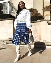 bag,handbag,snake print,white boots,high heels boots,midi skirt,pleated skirt,high waisted skirt,white blouse,earrings