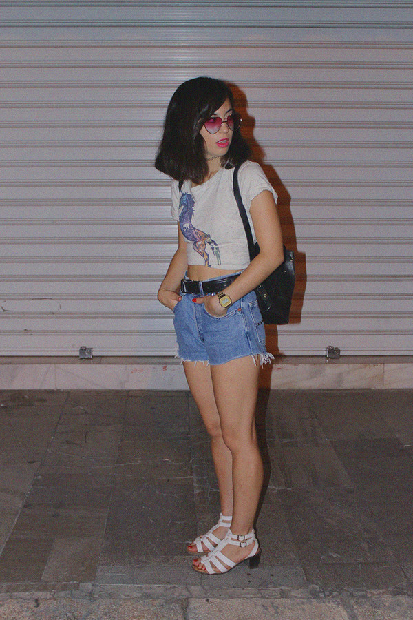 vintage shoes for her blogger sunglasses t-shirt jewels shoes 90s style denim shorts vintage retro crop tops