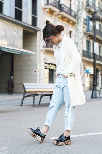 dulceida blogger embellished denim light blue platform shoes knitted cardigan boyfriend jeans light blue jeans ripped jeans casual