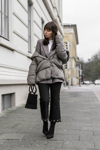 jacket grey jacket blazer grey blazer pants black pants cropped pants boots black boots bag