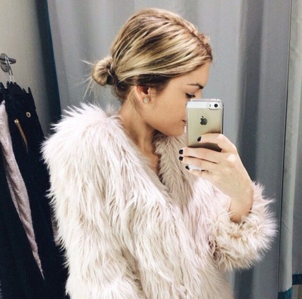 Coat: celeb, cute, girly, faux fur, faux fur coat, pink, perfect ...