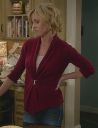 cardigan red modern family julie bowen claire danes claire dunphy