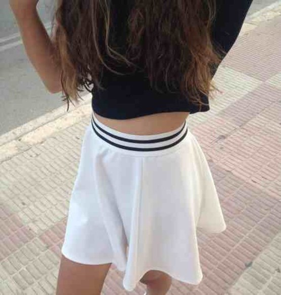 white skirt black stripe sportswear skirt white shirt black t-shirt pale grunge soft grunge soft ghetto tumblr tumblr girl kawaii dark kawaii grunge black and white skater skirt white skater skirt clack high waisted high waisted skirt