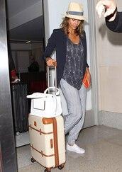 shoes,jessica alba,top,pants