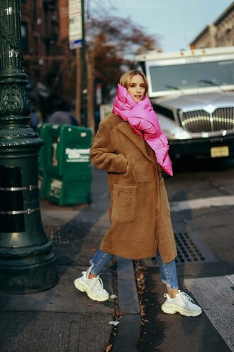 coat tumblr brown coat teddy bear coat oversized oversized coat scarf denim jeans blue jeans sneakers white sneakers winter outfits
