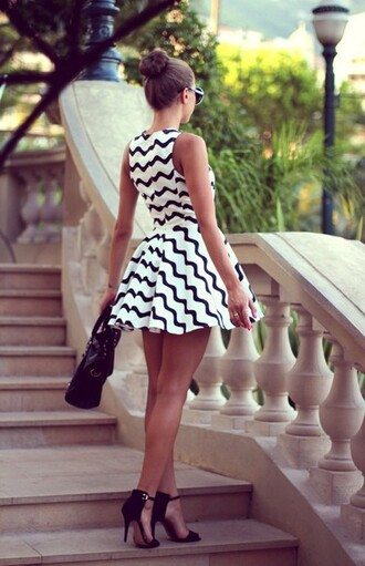bag classy shoes high heels dress black and white sunglasses fashion chevron sandal heels skater dress