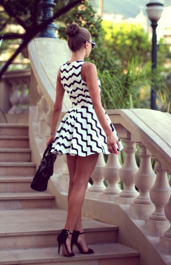 dress zigzag heels sandal heels bag sunglasses skater dress black and white classy fashion shoes