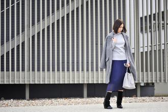 blogger bag shiny sil grey coat blue skirt pleated skirt black boots