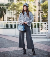 pants,knitwear,bag,culottes,cropped pants,grey pants,hat,fisherman cap,sweater,multicolor,boots