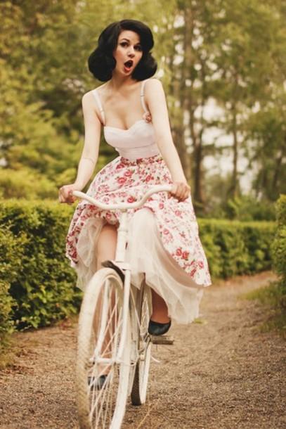 skirt flower skirt vintage rockabilly rockabilly skirt floral skirt Pin up flowered skirt
