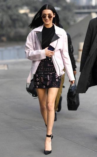 skirt jacket bella hadid milan fashion week 2017 fashion week 2017 streetstyle top round sunglasses model off-duty mini skirt