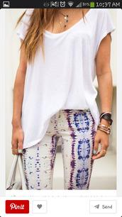 jeans,snake print pants,pastel,pink,purple,blue,tie dye,white,acid wash jeans,t-shirt,jewels