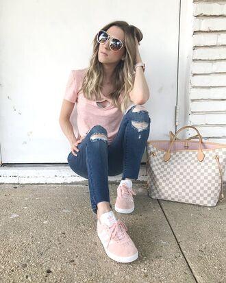 t-shirt casual denim distressed denim skinny jeans pink sneakers adidas pastel tote bag sunglasses blogger blogger style louis vuitton bag