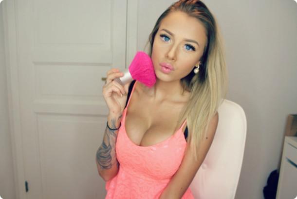 top pink peplum peplum top make-up