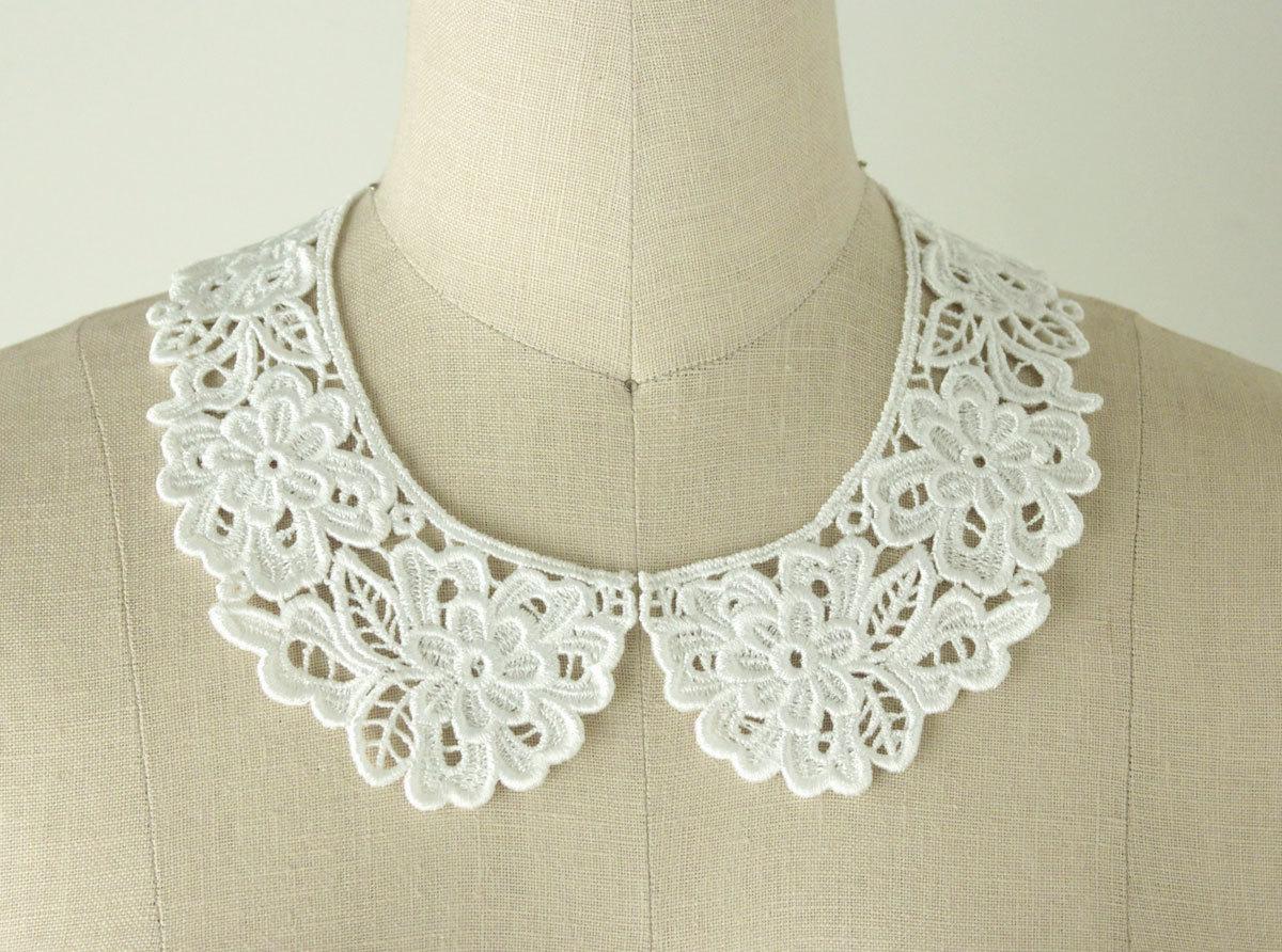 WHITE Venise Floral Peter Pan Lace Collar / Neckline