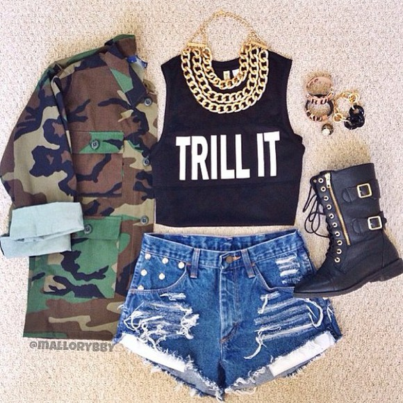 jacket black,trill it,crop top black boots army long sleeve jacket jean shorts t-shirt dress jewels gold gold chain shorts shoes camo jacket tank top shirt camoflauge combat boots gold chains trill